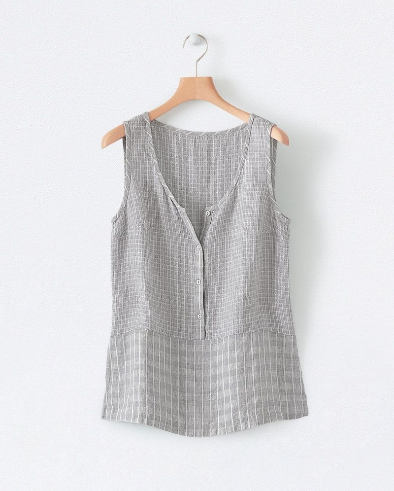 51a7fa1e4d9 Image of Sleeveless linen top | Sewing in 2019 | Gauze clothing ...