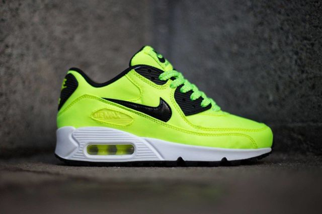 pink nike air max 90 gs volt