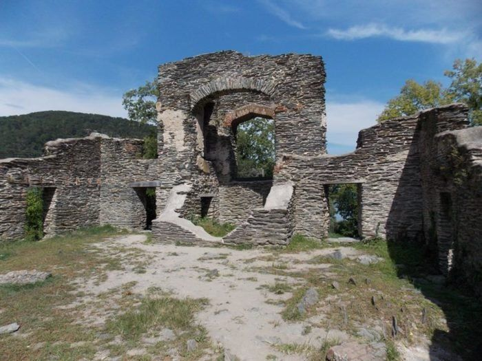 These 8 Unbelievable Ruins In West Virginia Will Transport You To The Past #westvirginia