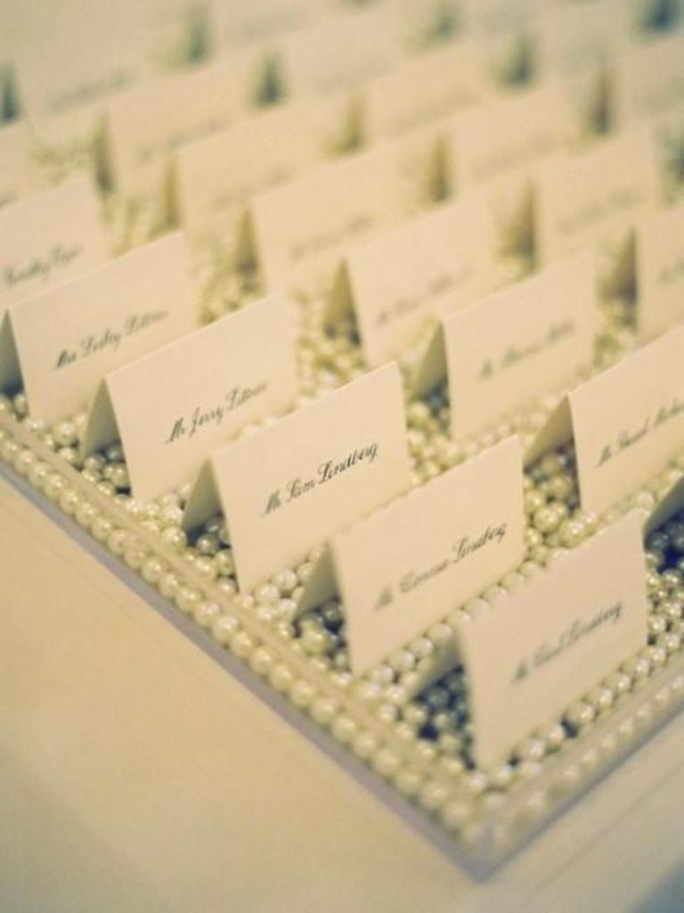 Name cards on pearls.