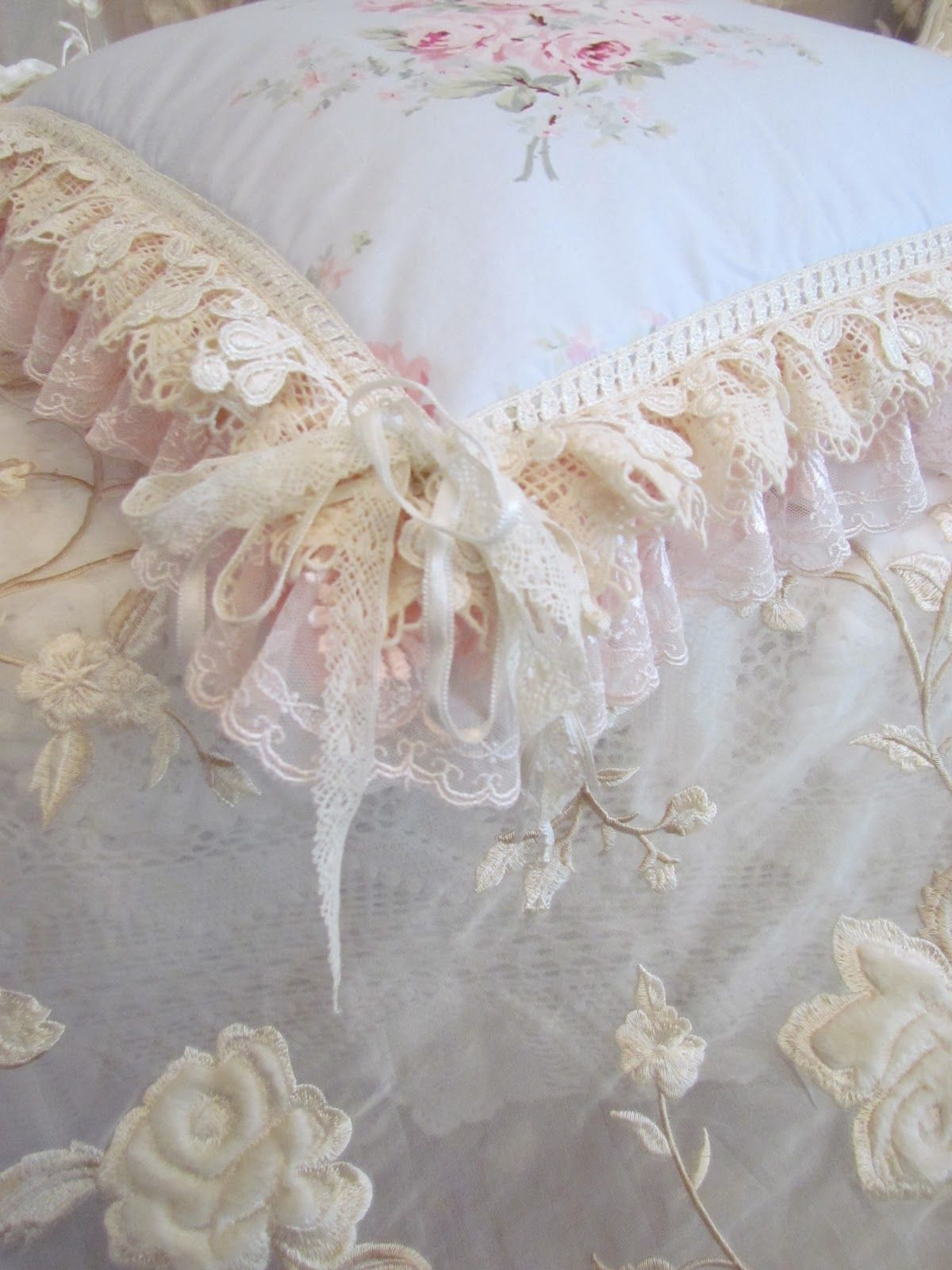 Vintage lace pillow. #shabby chic Cushions Pinterest Vintage lace, Pillows and Shabby