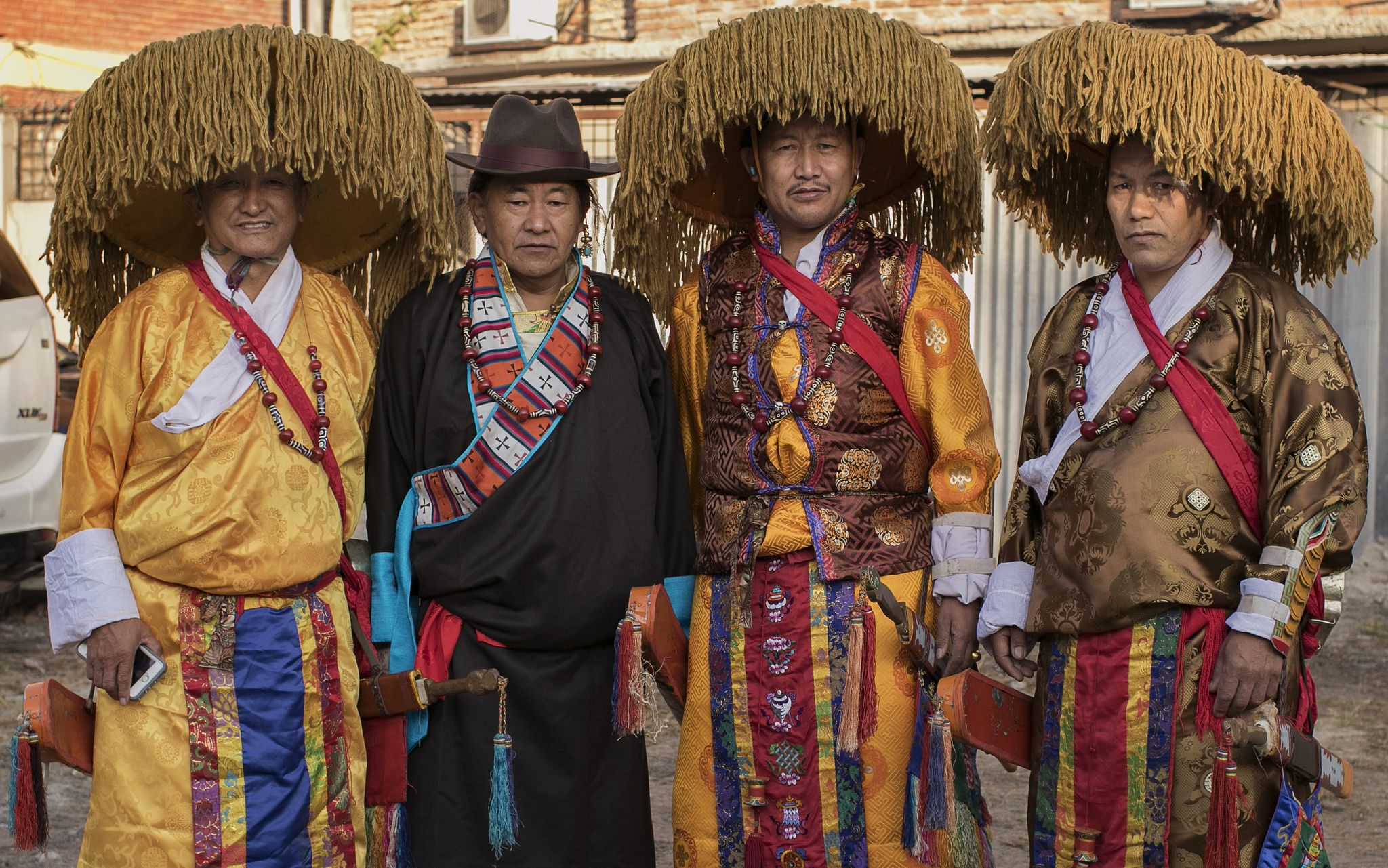 Men with tibetan traditional dress | Traditional dresses ...
