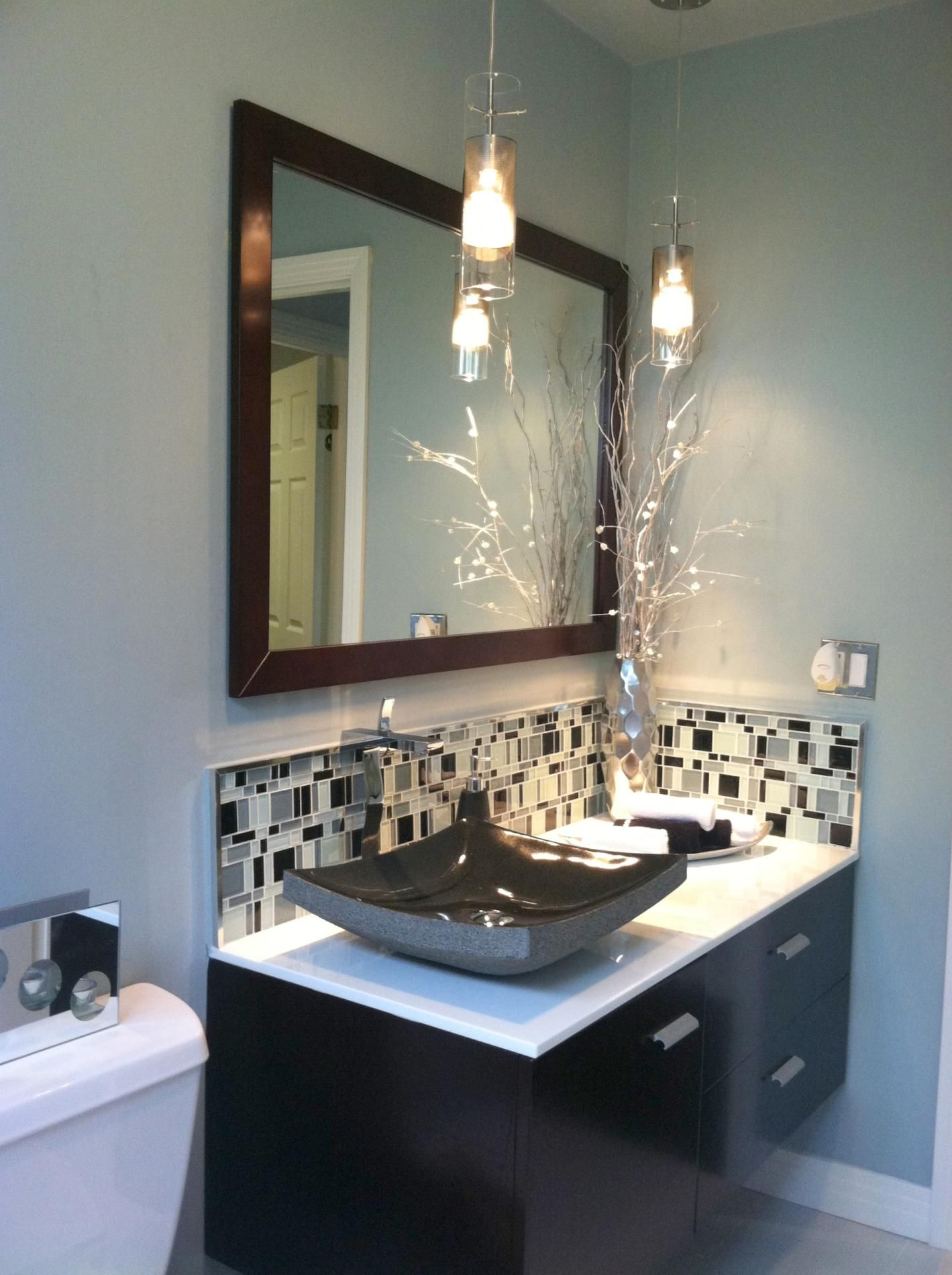 The Bathroom Pendant Lighting Is One Of The Good Ways For Best Ways To Decorate A Small Bathroom Design Ideas