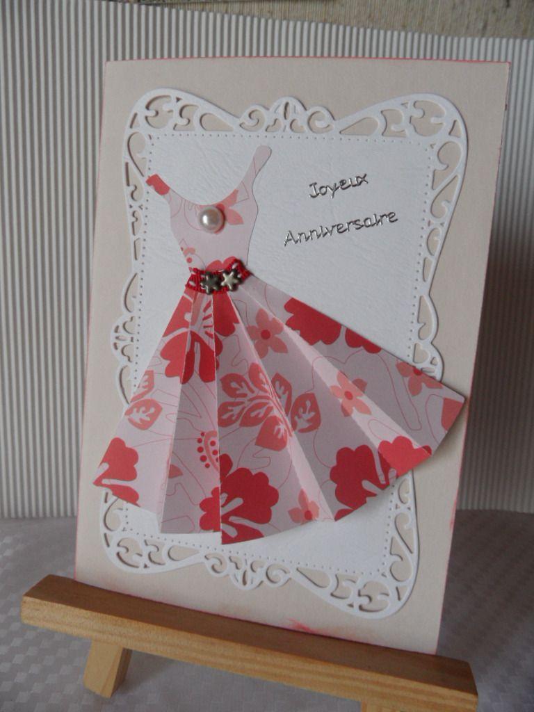 carte anniversaire robe plissee rouge