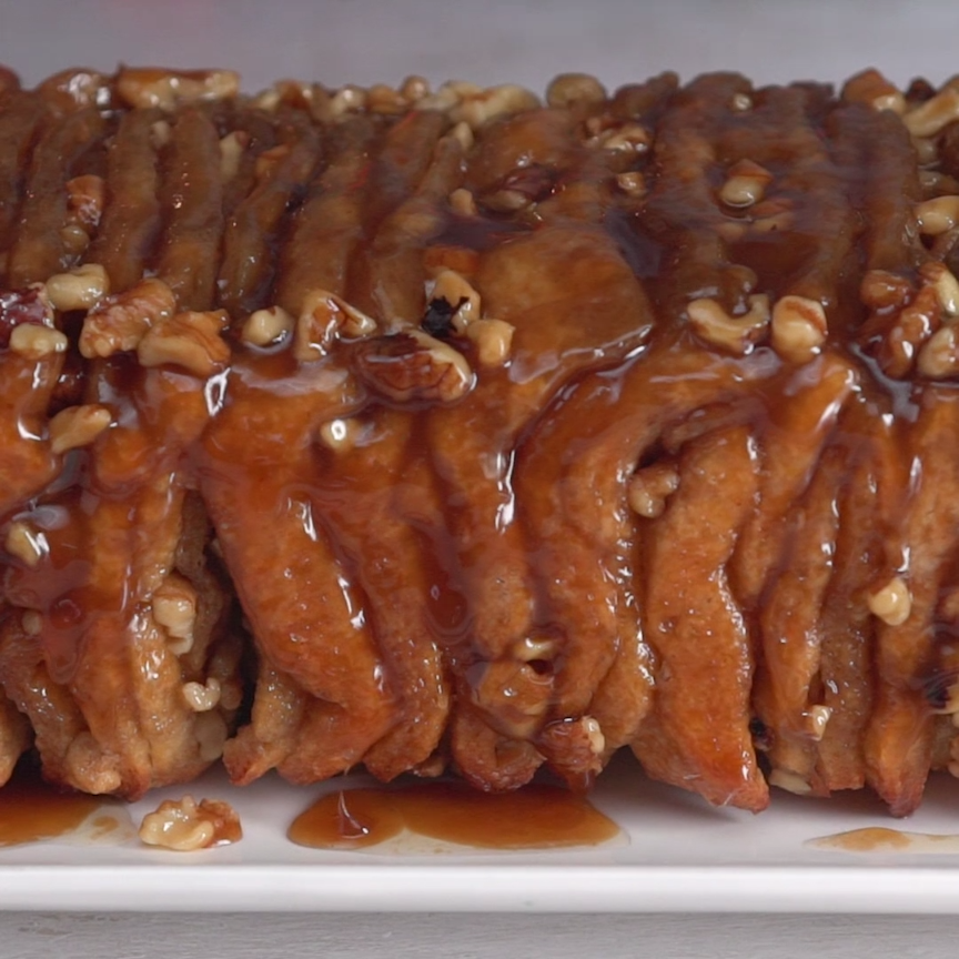 Maple Sticky Buns Pull-Apart Bread
