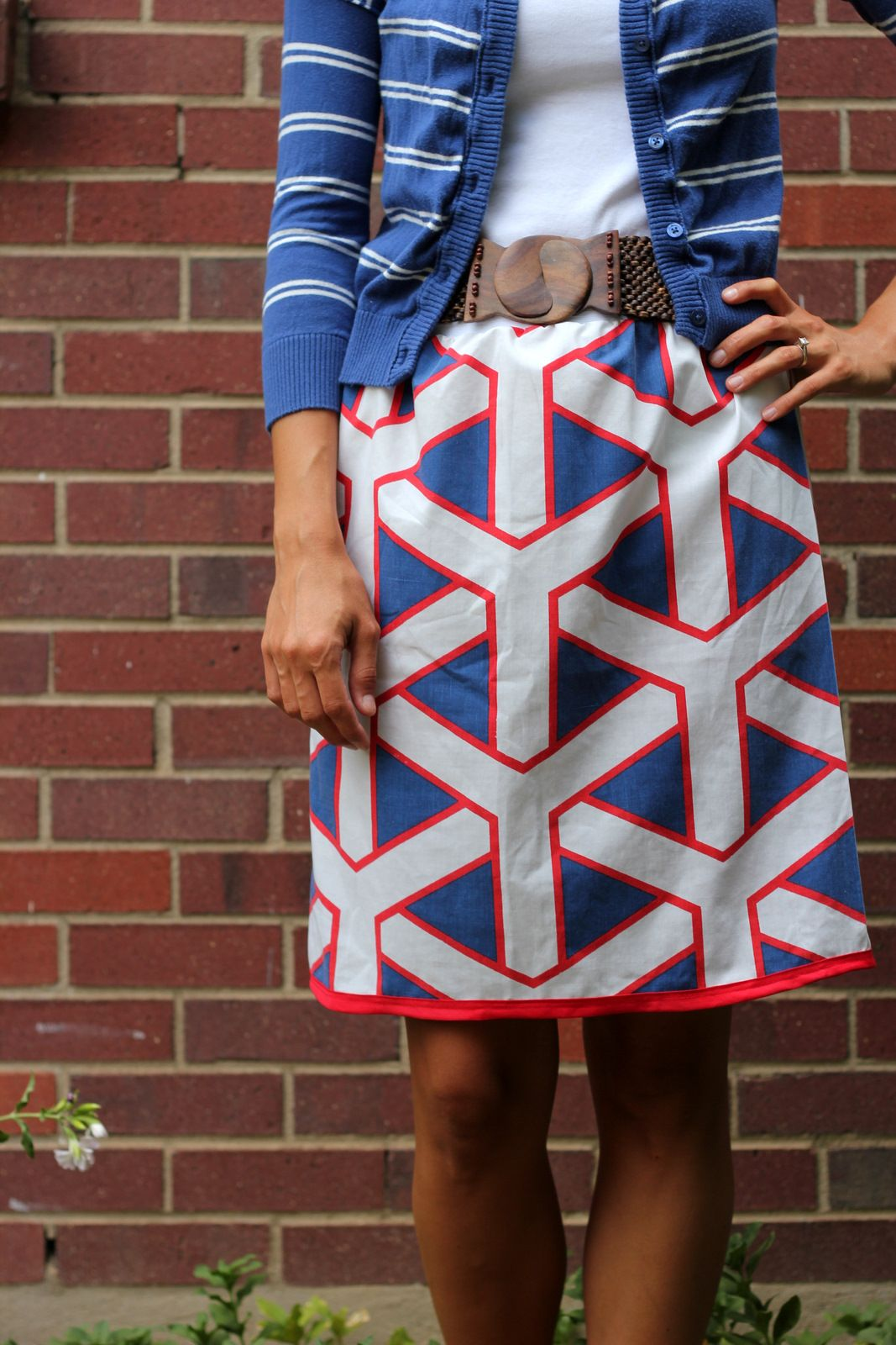 Awesome cool pillowcase skirt from Kirsten of \u0027Kojo Designs\u0027 score the look by & Awesome cool pillowcase skirt from Kirsten of \u0027Kojo Designs ... pillowsntoast.com