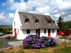 holiday cottages roundstone galway self catering ireland holiday rh pinterest com