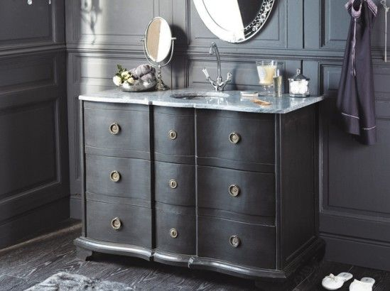 tendance un meuble ancien dans la salle de bains best victorian bathroom and house ideas. Black Bedroom Furniture Sets. Home Design Ideas