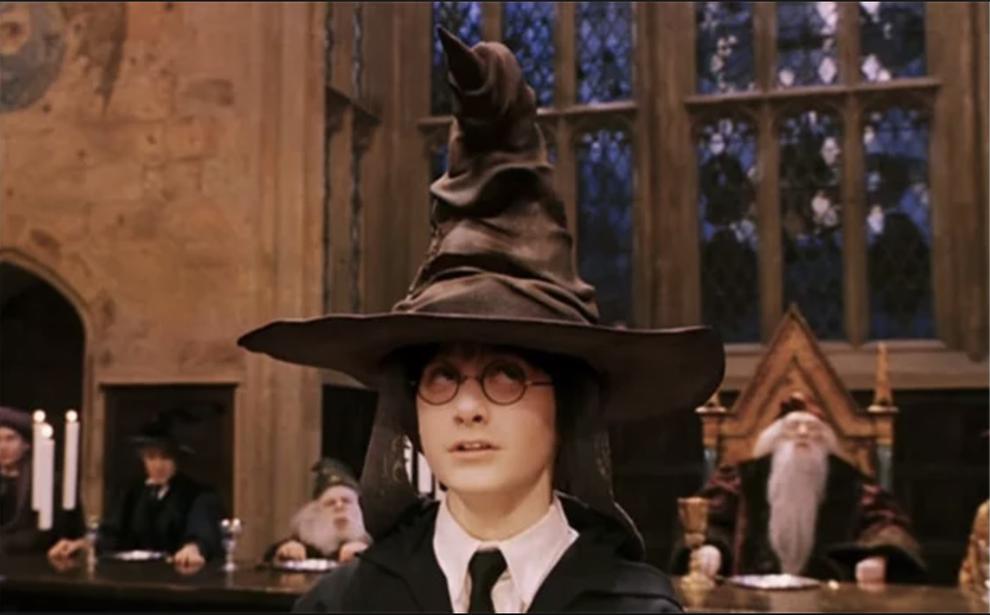 Todas Las Cosas Maravillosas Que Anadieron Las Peliculas De Harry Potter Y Todas Las Cosas Que No Deberian Haber Anadido Harry Potter Theories Harry Potter Movies Harry Potter Facts