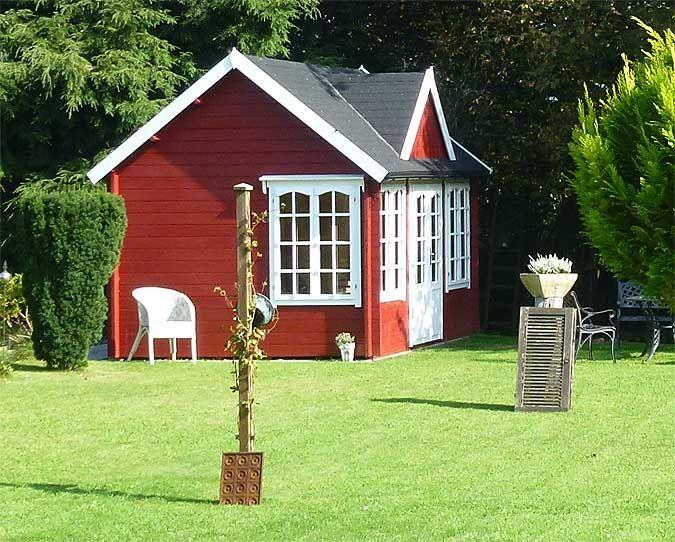 Clockhouse 44 Im Aufbau Wir Wollten Kein Typisches Gartenhaus Gartenhaus Haus Garten