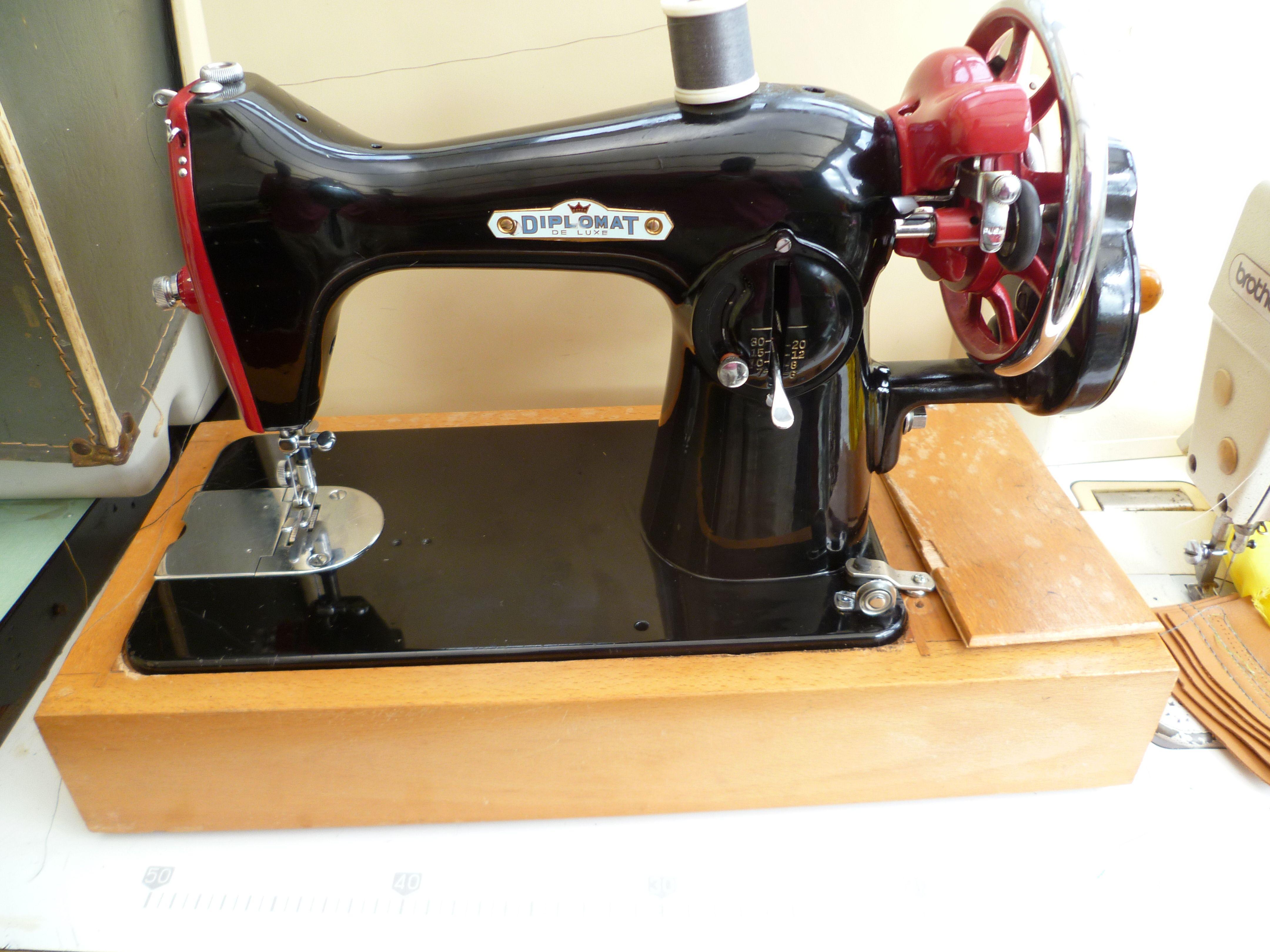 Diplomat SEMI-Industrial sewing machine . Model diplomat ...