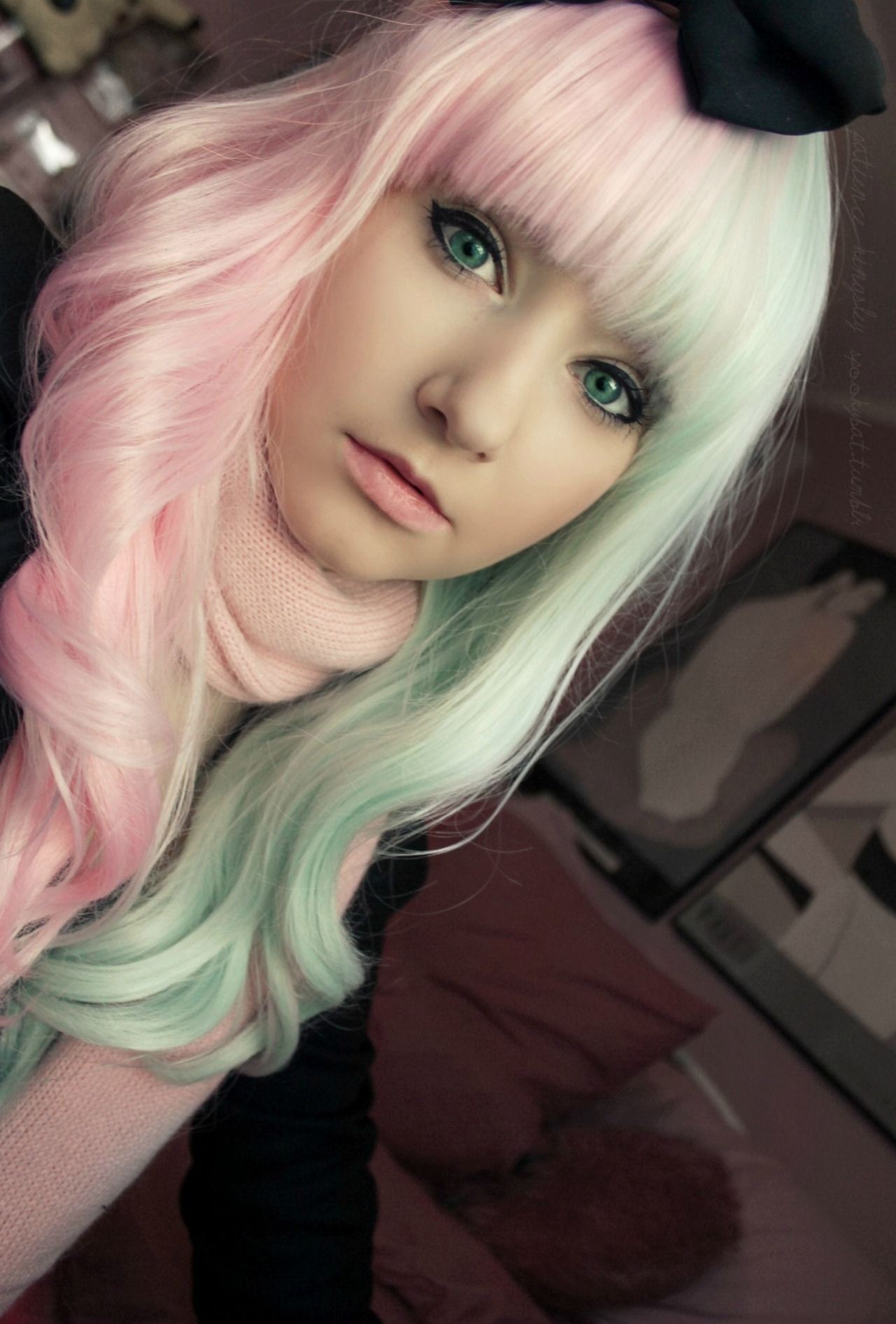 Two Tone Half Pink And Green Pastel Hair In 2019 Hair