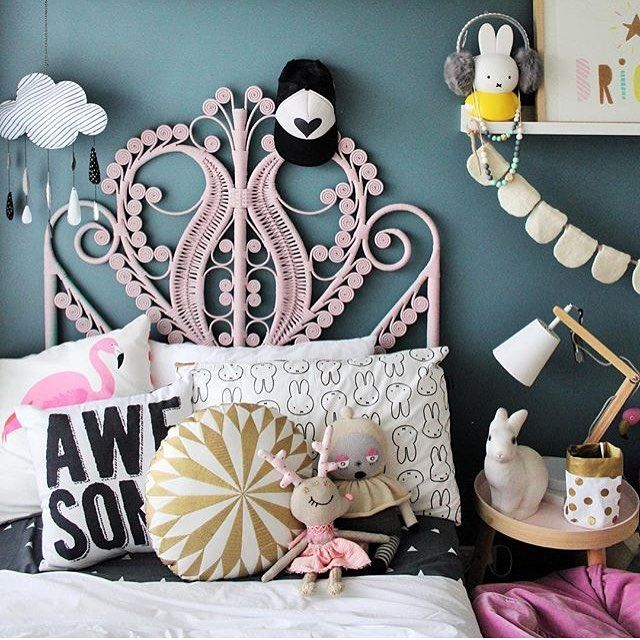 Um excuse me @fourcheekymonkeys you are breaking the Internet with your incredible interiors. We thought your last room featuring our black scalloped bunting was good, but this room featuring our off-white bunting is amazing!! #homelycreatures #homely_bunting #madeinnepal #handmade #kidsroom #kidsinterior #kidsdecor