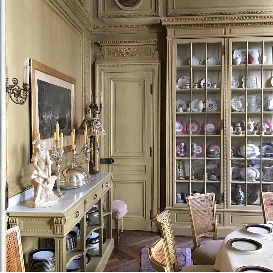 For Those Who Covet Divine China Cabinets ~*~ Pic. From