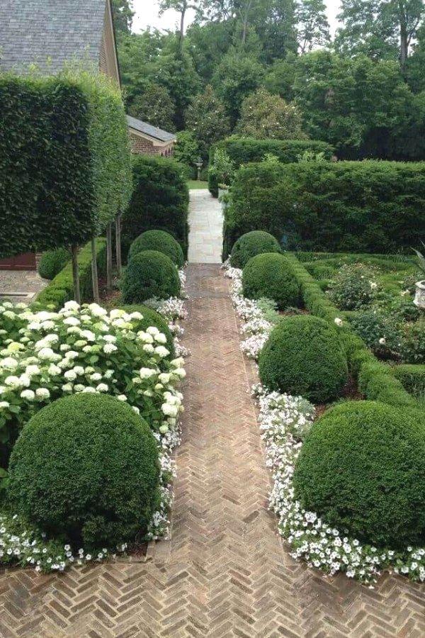 16 Enticing Garden Layout Mother Earth Ideas Boxwood Garden Beautiful Gardens Garden Inspiration