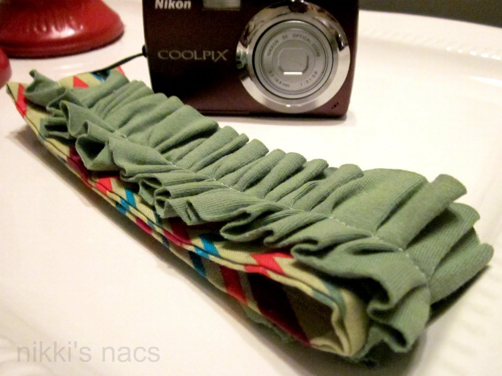 Nikkis' Nacs: point and shoot ruffled wrist strap {tutorial}