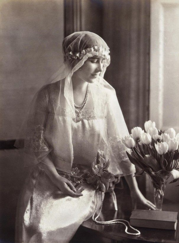 King George Vi And Queen Elizabeth Nee Bowes Lyon Royal Wedding Dress Queen Mother Royal Brides