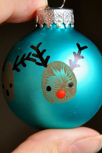 20 minute crafter-reindeer thumbprint ornaments
