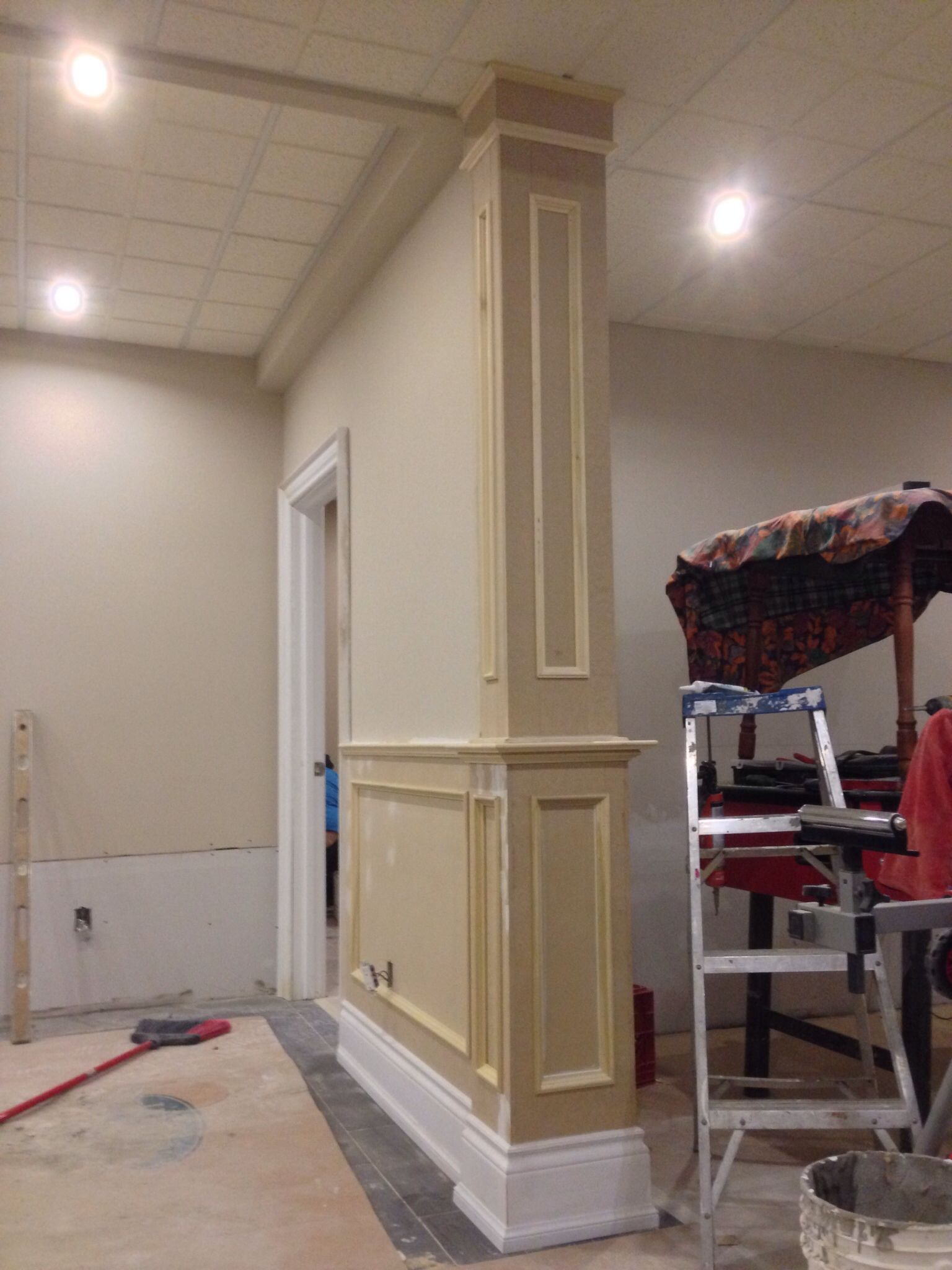 Custom Wainscoting With Wrap Around Colum Home Home Decor
