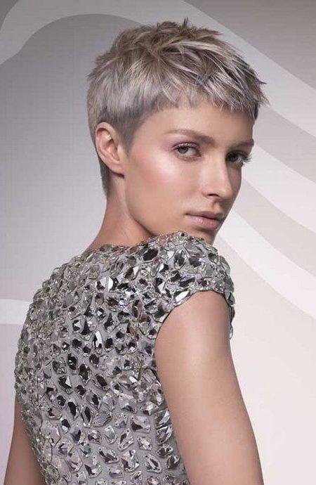 Bildresultat For Grey Short Haircuts 2017 Cheveux Tres Courts Coupe De Cheveux Idees Cheveux Courts