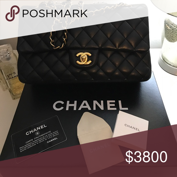 89c225b63eb6 Pre-owned Chanel Sac Class Rabat #94305 A timeless piece that will always  carry its value and style. She looks band new !!! In perfect condition.