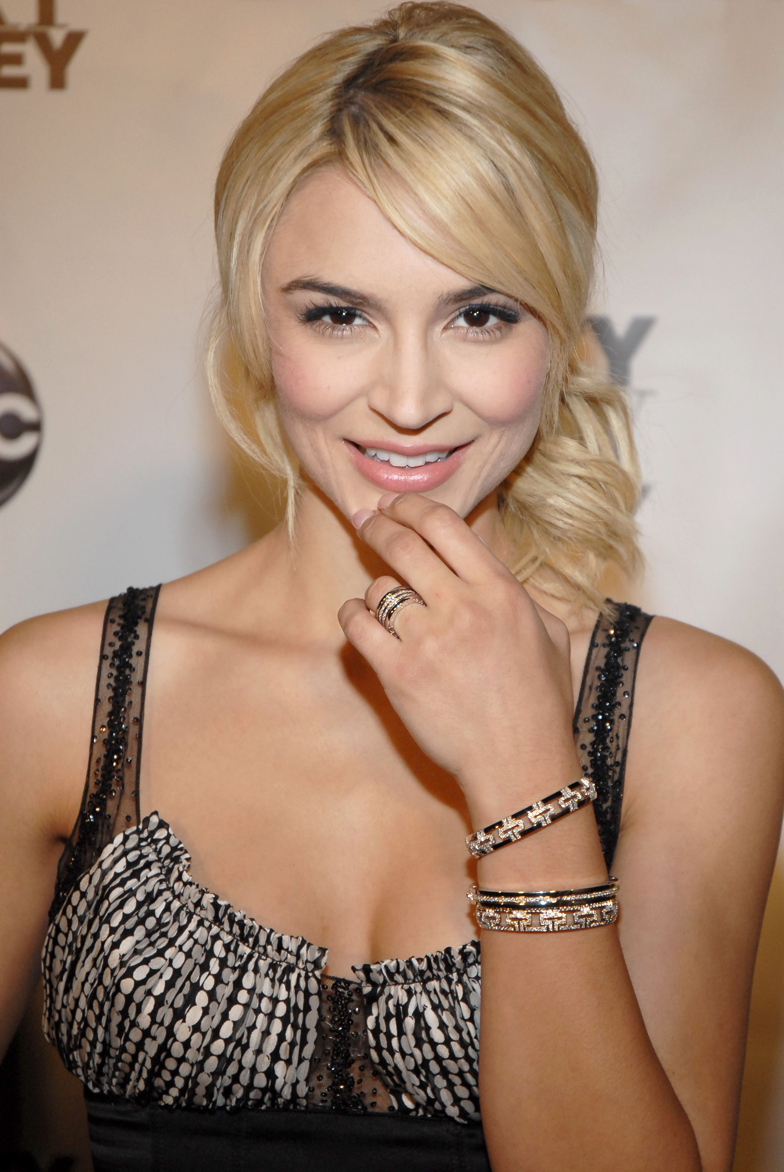 samaire armstrong instagram