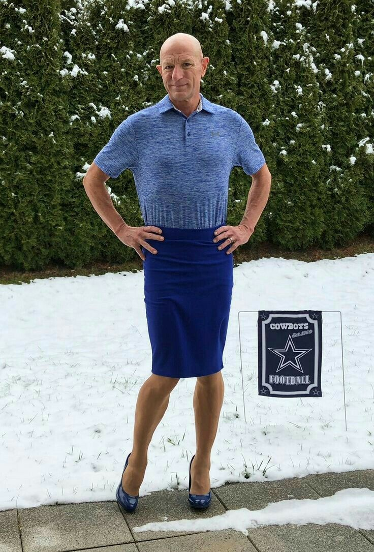 Men who wear women's clothes in public | Men in Skirts and ...