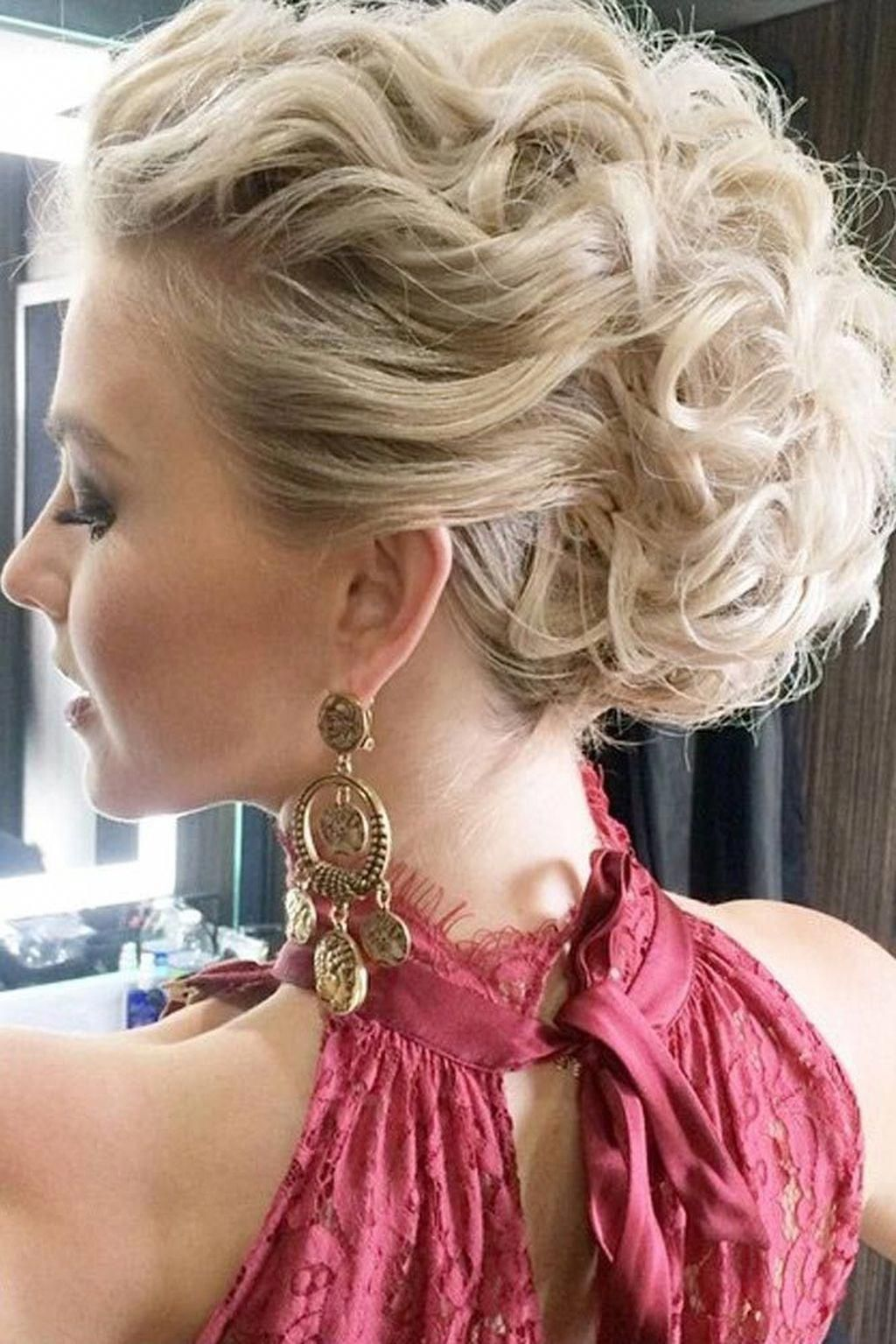 These all down prom hairstyles are fab # ...