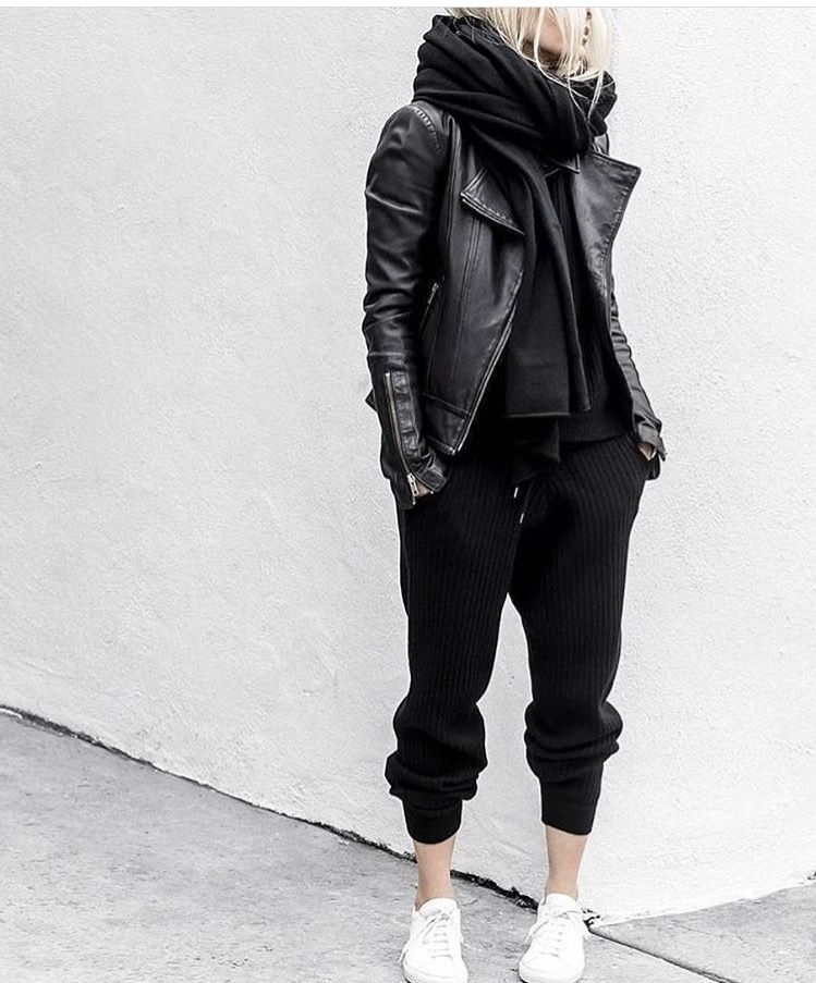 fd5140d69b trendy+black+outfit+++white+sneakers I like the aesthetic here