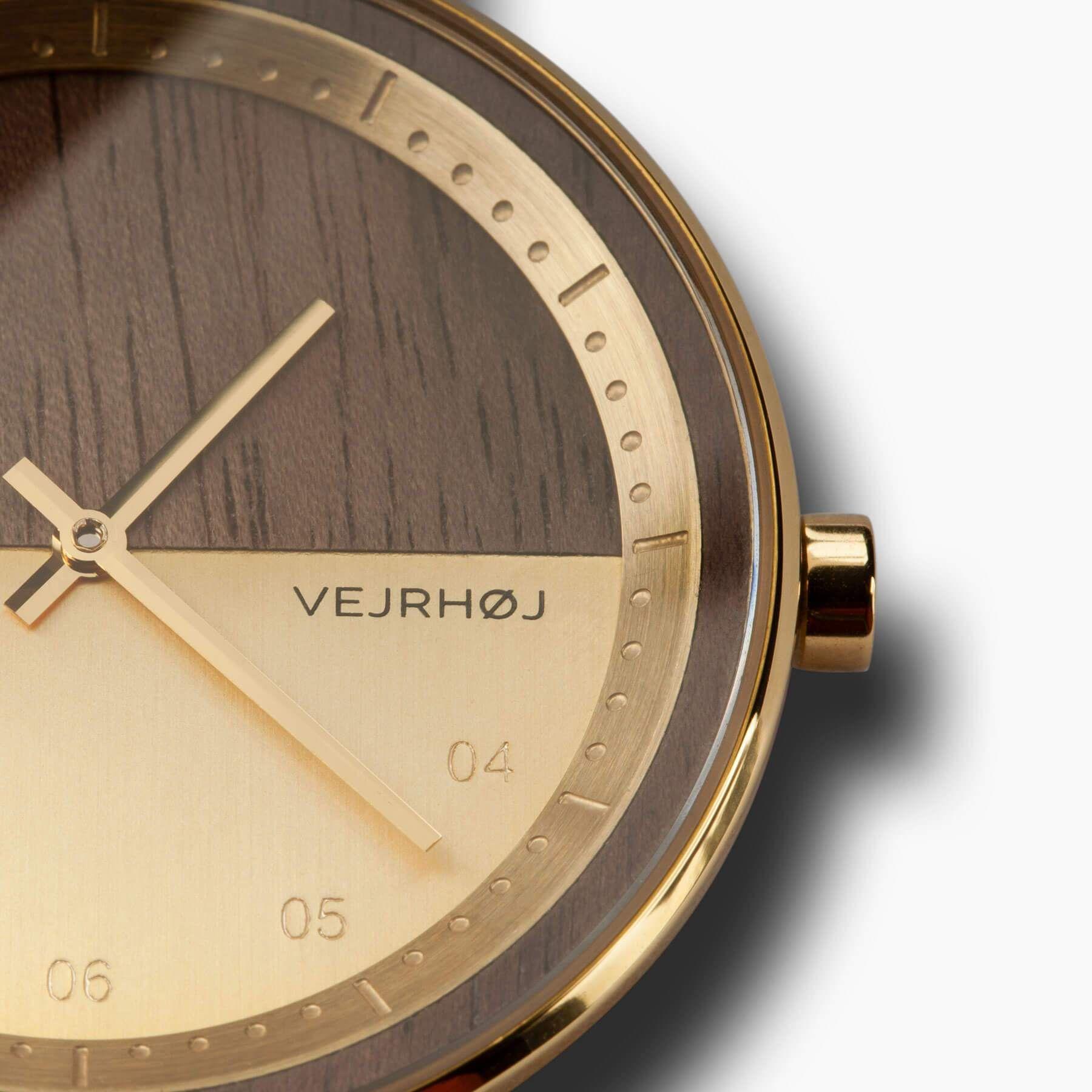f15b0330b42 Herreur fra Vejrhøj i træ og guld.   Watches / ure in 2019   Guld ...