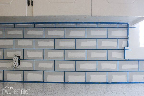 11 temporary kitchen updates that look amazing - Kche Backsplash Ubahn Fliesen Designideen