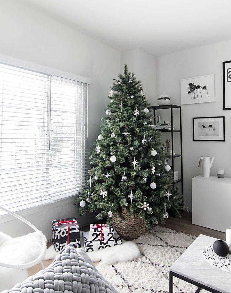 Modern Minimal Christmas Tree #christmastreeideas
