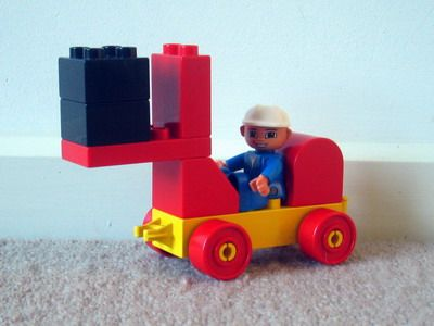 duplo forklift truck and links to pictures of duplo vehicles, animals, etc