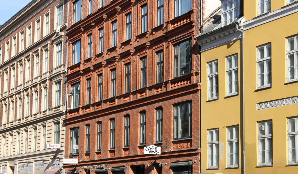 Getting to Copenhagen. Useful travel tips to stay healthy while travelling.