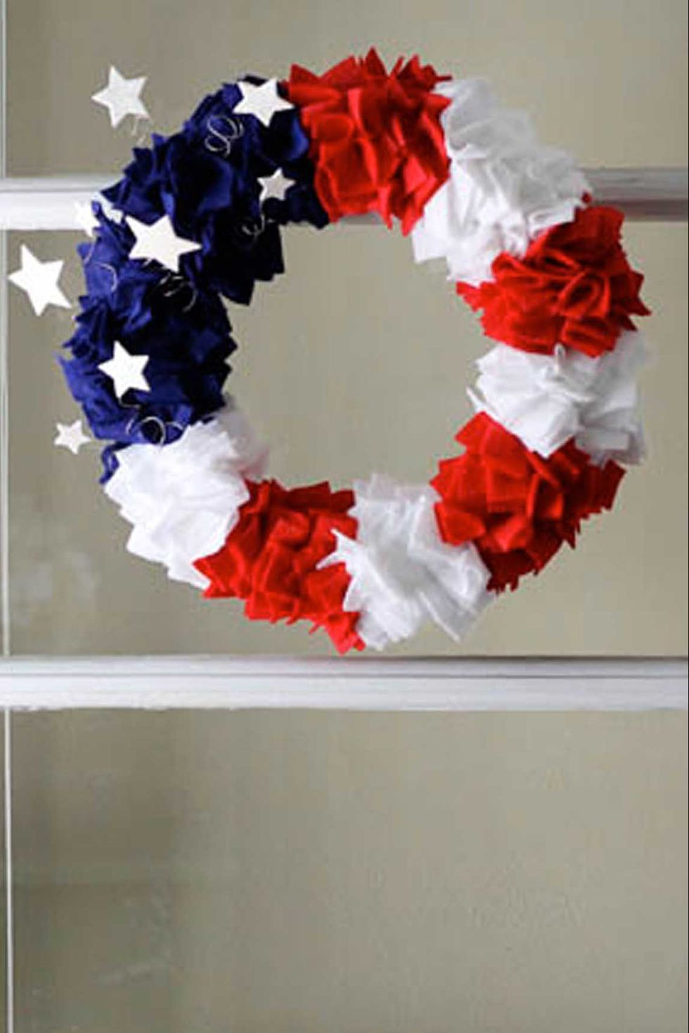 17 DIY 4th of July Wreaths For Your Front Door #holidaysinjuly
