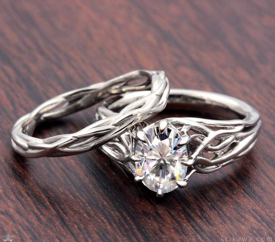 Embracing Tree Branch Engagement Ring And Wedding Band Branch Engagement Ring Engagement Rings Unique Engagement Rings