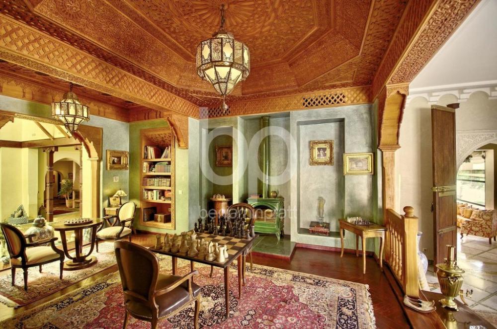 Exceptionnel Palais De 3600m Dans La Palmeraie De Marrakech En 2020 Palmeraies Grandes Piscines Marrakech