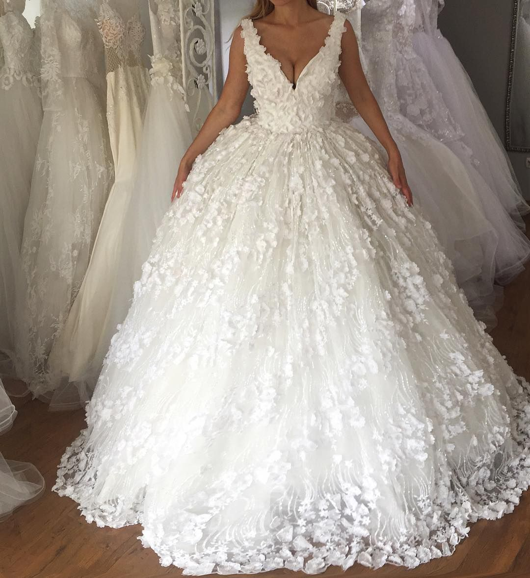Fashion Designer Facebook L E N A B E R I S H A To Place Your Order Whatsapp 377 44 Bridal Gowns Vintage Different Wedding Dresses Retro Wedding Dresses