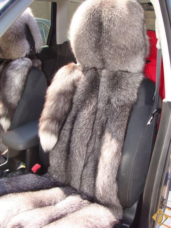 Fox Fur Car Seat Covers Karen Os If This Is As Soft And Comfy As It Looks I Can Just See You Doing This For Your Truck Fur Fashion Fur Fur