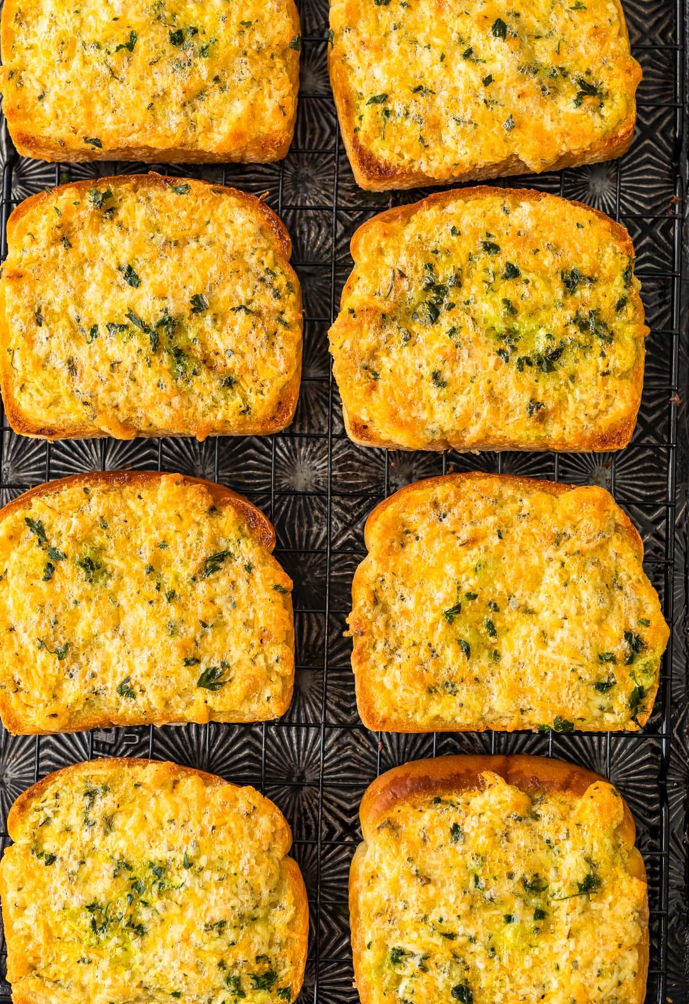 Cheesy Garlic Bread On Texas Toast Cheesy Garlic Bread Recipe Texas Toast Garlic Bread Garlic Bread Recipe