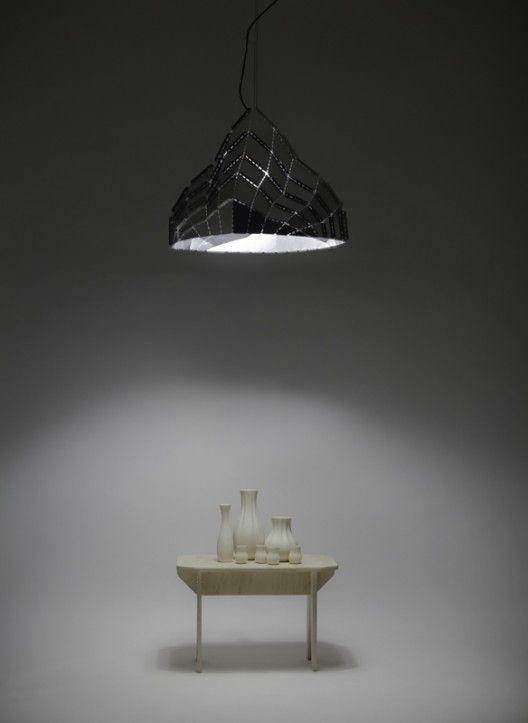 Lámpara Vilú: arquitectura mínima en el espacio / gt2P