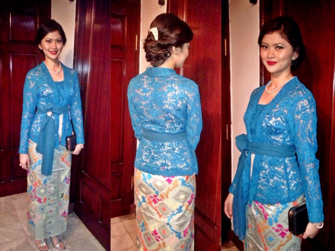 This Indonesia traditional formal lace dress called Kebaya & Songket ...