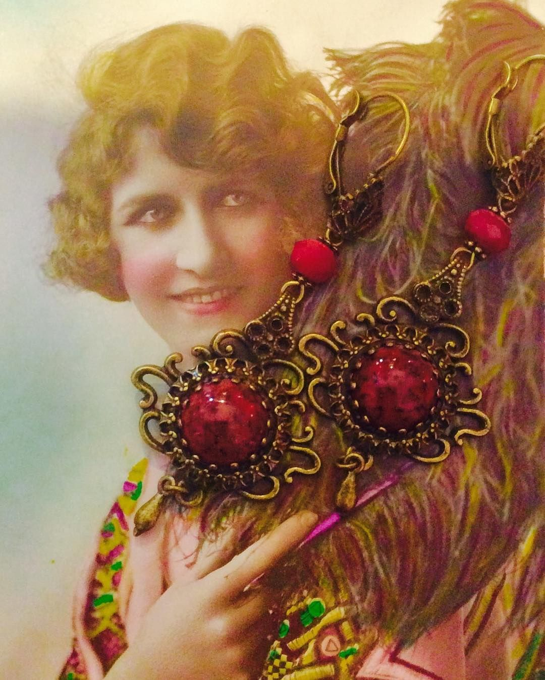 VICTORIAN INSPIRED EARRINGS.......WE ARE HOSTING A MOVING SALE ...10%-50% OFF SELECTED ITEMS.......OPEN 1PM-6PM  #moonshine Nettie#victorian#vintageinspired#vintagestyle#frenchquarter#followyournola#nola#neworleans#nolalove#nolastyle#southernstyle#southernliving#gorgeous#glamour#oldhollywood#texasstyle#nashvillestyle#vintagelife#accessory#adornments by moonshinenettie