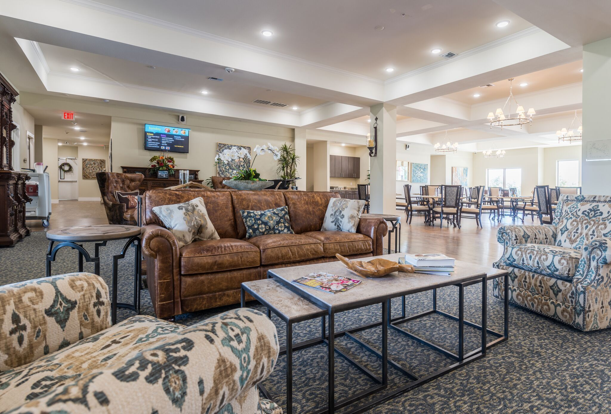Ledgestone Senior Living Is A Privately Owned Senior Living Concept That Helps Seniors Thrive It Is How To Preserve Si Senior Living Ledgestone Modern Luxury