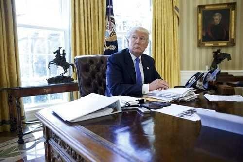 Trump habla de paz con el palestino Abás y le invita a la Casa Blanca