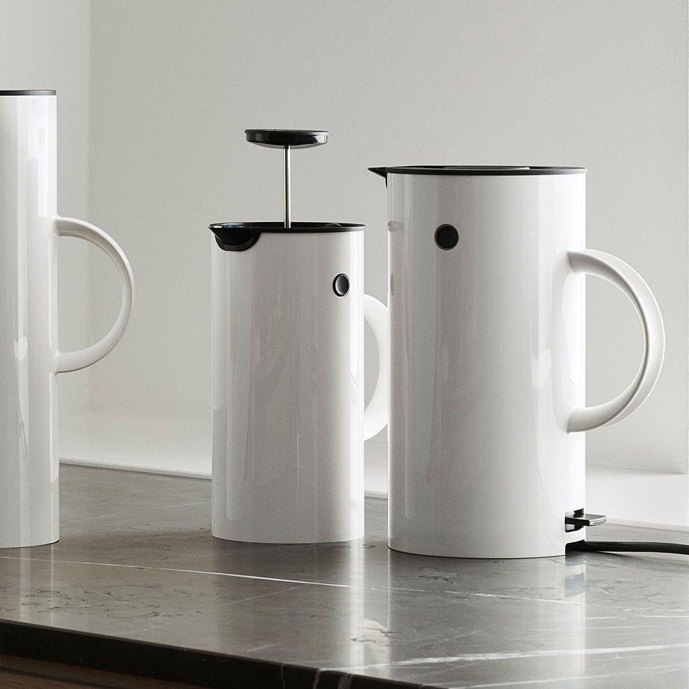vorsicht hei die neuen wasserkocher von stelton und eva. Black Bedroom Furniture Sets. Home Design Ideas