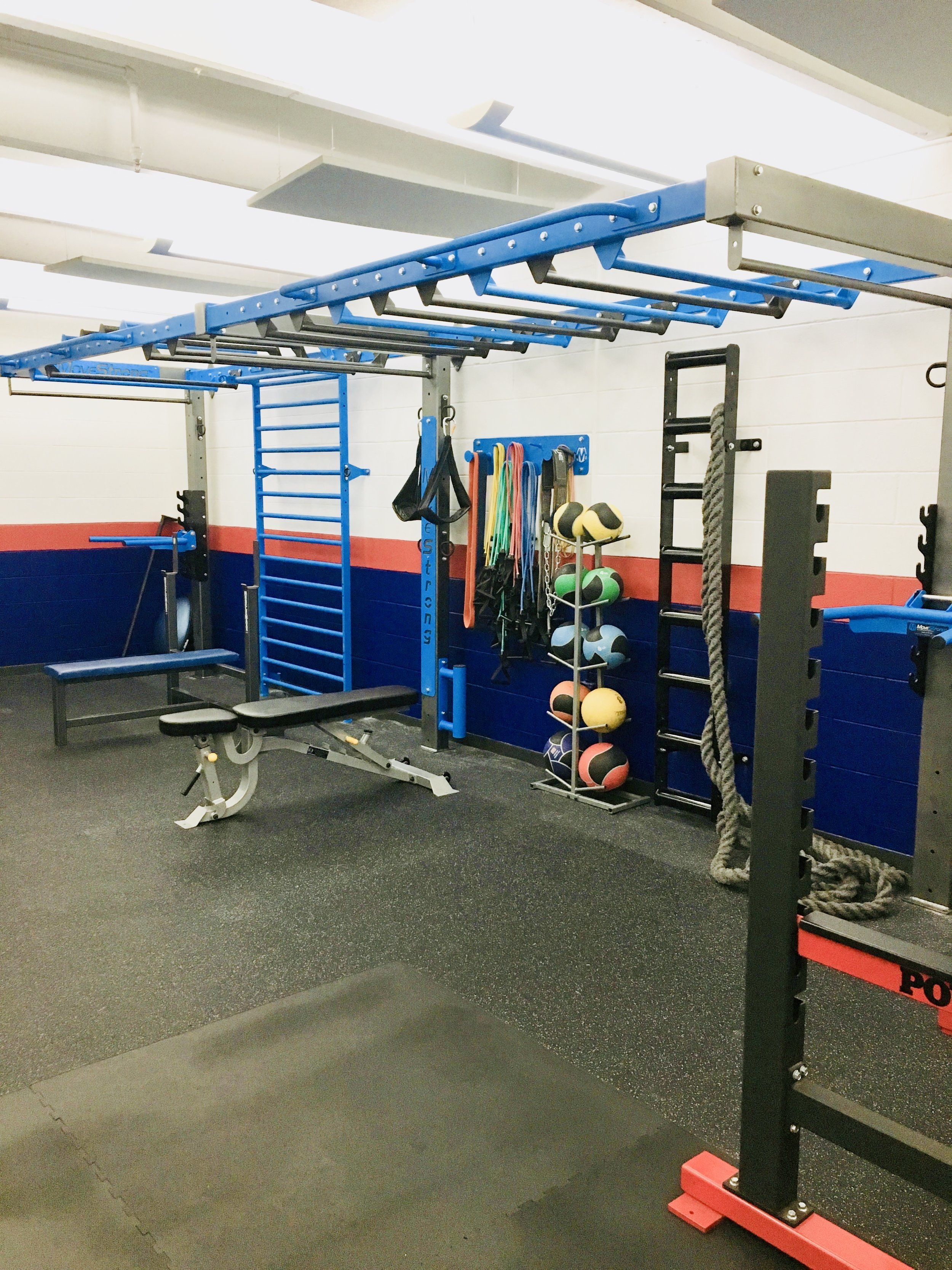 High school gym gets upgrade to functional training area wall