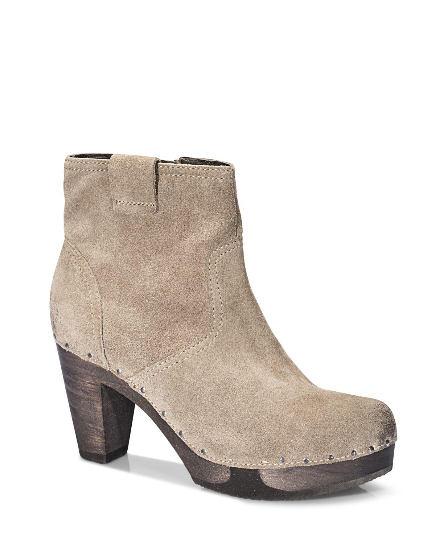 FARA Bailey tan #softclox #munich #FARABailey #tan #fall #shoes #fallshoes #darksole #woddensole #clogs