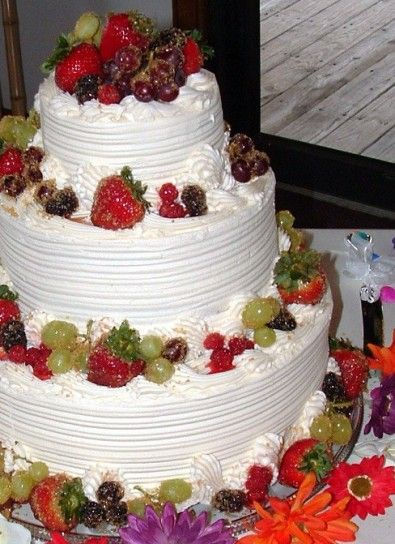 Torta nuziale frutta e panna