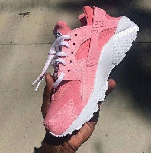 nike huarache pink and white